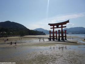 RED_016_Torii_Gate_em_Miyajima