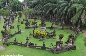 RED_004_Buddha_Park_em_Vientiane