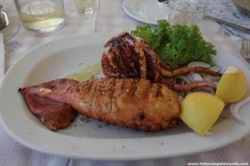 RED_005_Lula_grelhada_em_Santorini