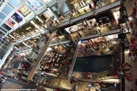 RED_005_Shopping_após_os_fogos_de_artíficio
