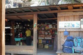 RED_004_Tipo_de_restaurante_e_mercado_que_encontravámos_pelo_caminho