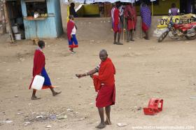 RED_002_Masai_pelas_ruas