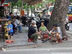 RED_002_Calçada_em_Hanói