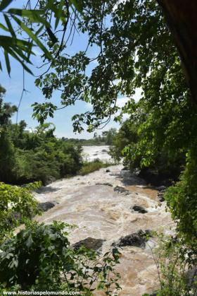 RED_003_Cachoeira_em_Dondet_(Four_Thousand_Islands)