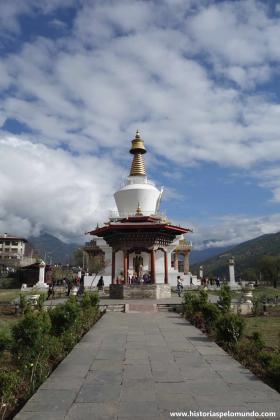 RED_008_Memorial_Chorte_Stupa