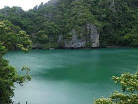 RED_007_Green_Lagoon_Ang_Thong