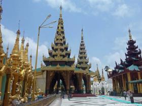 RED_002_Shwedagon_Pagoda_em_Yangon